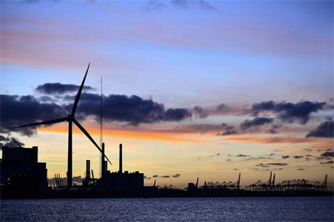 Vineyard set to become first large US offshore wind farm