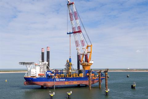 Vessel 'oil leak' halts offshore work at Saint Brieuc – updated