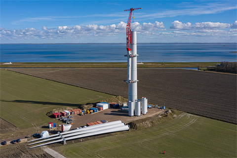 Enercon uses self-climbing crane to install EP5 turbines