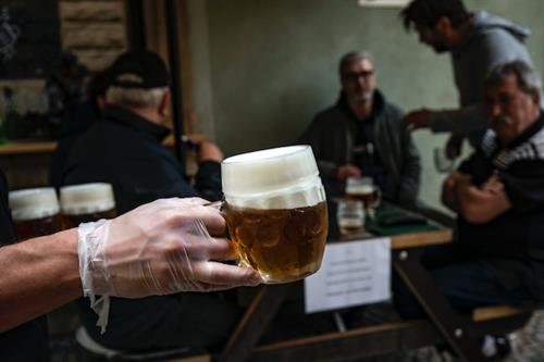 How to have good ideas when you can't go to the pub