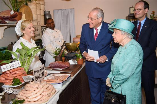 Sainsbury's takes the Queen through 150 years of its history
