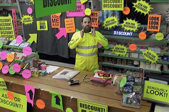 Mobile network Smarty urges people to ask for a discount in new spot