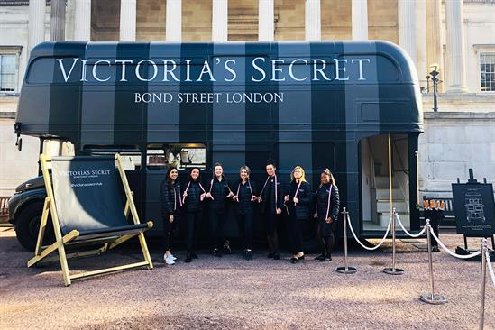 Victoria's Secret takes bra-fitting service on tour