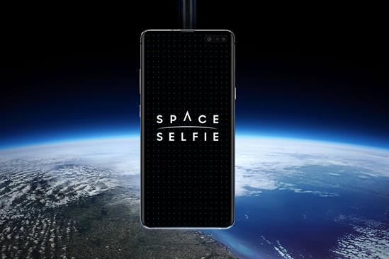 """Samsung """"Space selfie"""" by BBH London"""