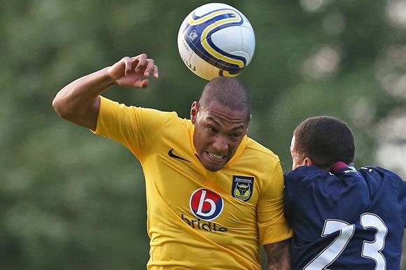 Damian Batt playing for Oxford United
