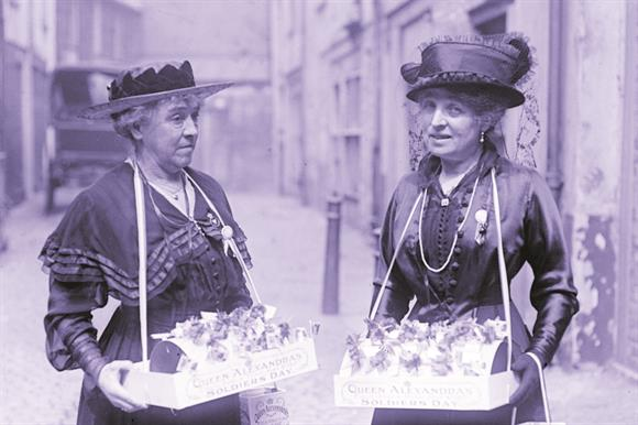 Lady Hanbury Williams and Mrs Schlater selling flags for Soldiers Day, 1917