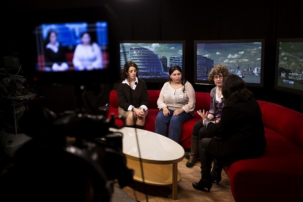 (l-r): Imperial College London's Dr Alessia David, Cardiff University's Dr Soma Meran and Dr Rebecca Morris University of Oxford in media training (Credit: Academy of Medical Science/BigT Images)