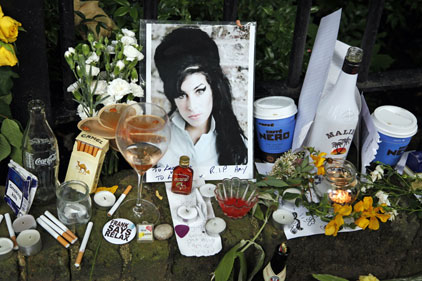 Microsoft tweet: promotes Amy Winehouse day after her death