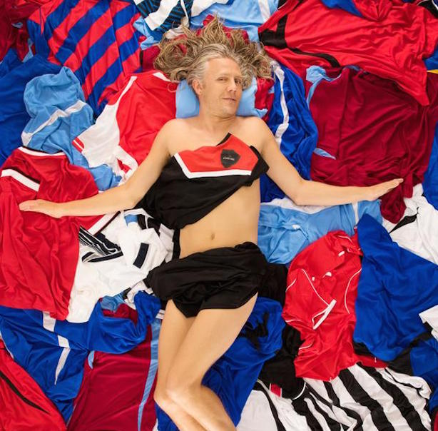 Jimmy Bullard: Helping Carling promote its Shirt Amnesty campaign