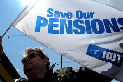 Pension reform: two million workers expected to strike