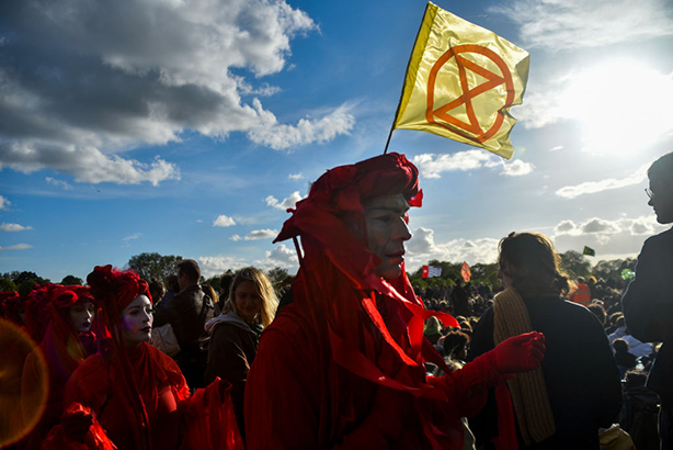 Extinction Rebellion protesters attend the closing ceremony of the protest at Hyde Park. Photo by Alberto Pezzali/NurPhoto via Getty Images