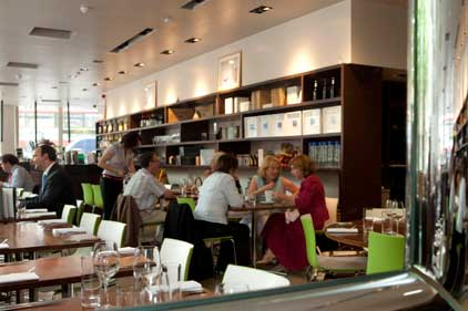 Bookings: diners can reserve in real-time online
