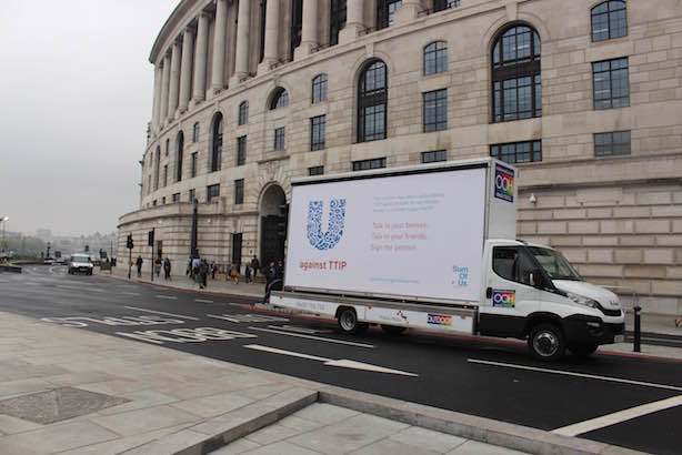 SumofUs billboard: outside Unilever House on London's Victoria Embankment (credit: Mike Harrison)