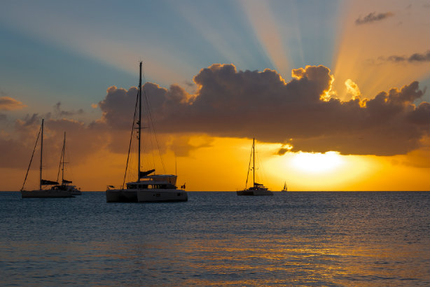 Sunset on Antigua's Deep Bay Beach (Credit: Andrew Moore via flickr)