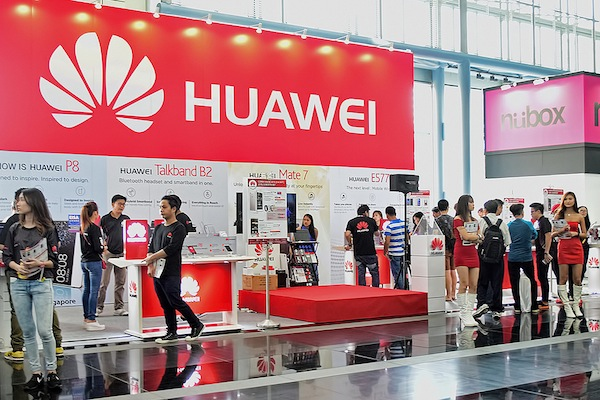 Huawei says it'll beat Apple in three years (Choo Yut Shing/Flickr)