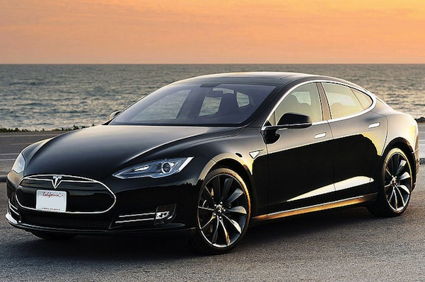 The Tesla Model S. Chinese companies are pumping billions into creating their own Tesla. (Martino Castelli/Wikimedia Commons)