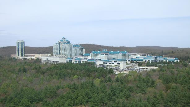 "(Photo credit: ""Foxwood Casino"" by Elfenbeinturm - Eigenes Werk. Licensed under CC BY-SA 3.0 via Wikimedia Commons)"