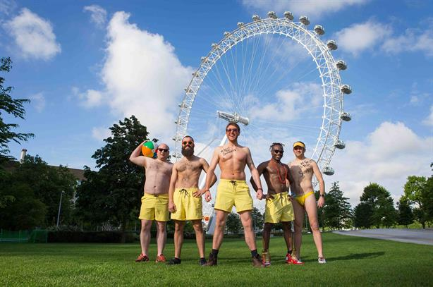 #SquadGoals: commuters asked to swap workwear for shorts