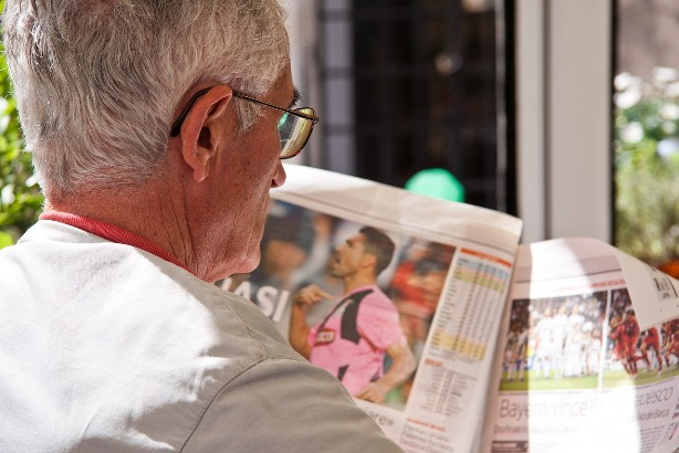 89 per cent of time spent reading national newspapers is in print format, says research