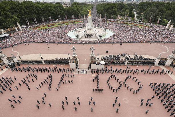 Tens of thousands attended the RAF centenary celebrations at The Mall (Pic credit: Crown copyright)