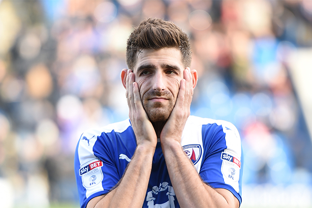 Evans playing for Chesterfield (© Ryan Browne/BPI/REX/Shutterstock)