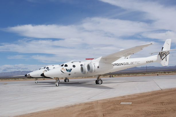 SpaceShipTwo and WhiteKnightTwo on the runway