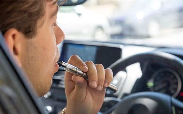 E-cigarettes are designed to simulate smoking behaviour without the use of tobacco. | iStock