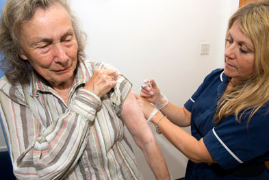 All people aged 65 years and older should receive an annual dose of the flu vaccine. | SCIENCE PHOTO LIBRARY