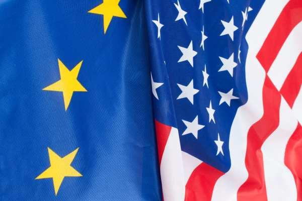 EU-US flags (audiohead / 123RF)