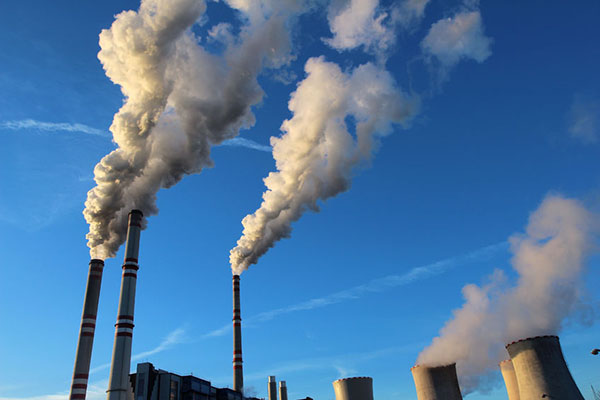 Energy / Pollution: thermal power plant stack emissions against sky, Power Plant (photograph: Kodda/123RF)