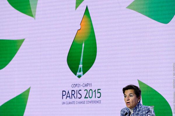 Climate: COP21 – Figueres speaks under COP21 logo