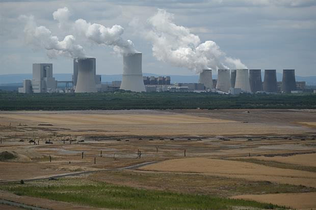 Boxberg coal-fired power plant near Weisswasser, Germany.(Photo by Sean Gallup/Getty Images)