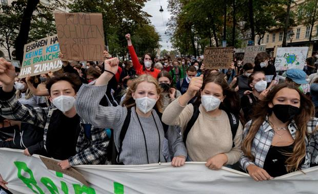 Protesters at a Fridays for Future demonstration in Vienna, 24 September. EU and national leaders are under mounting pressure to make this year's UN climate talks a success. Photo: Joe Klamar/AFP via Getty Images