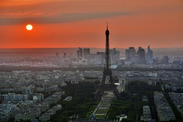Paris - Sunset over skyline (Unsplash)