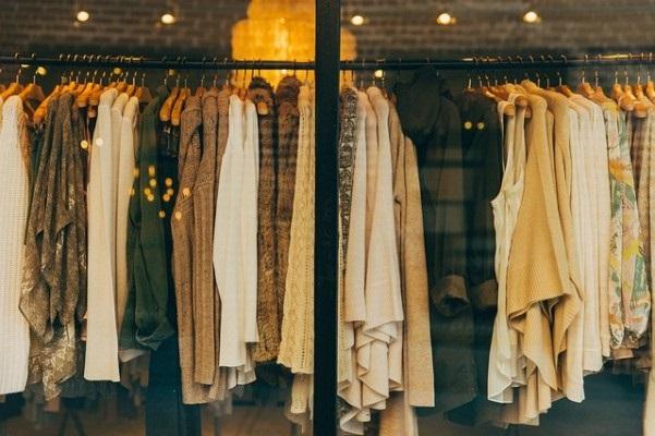 Reuse - Clothes (copyright_Pixabay)