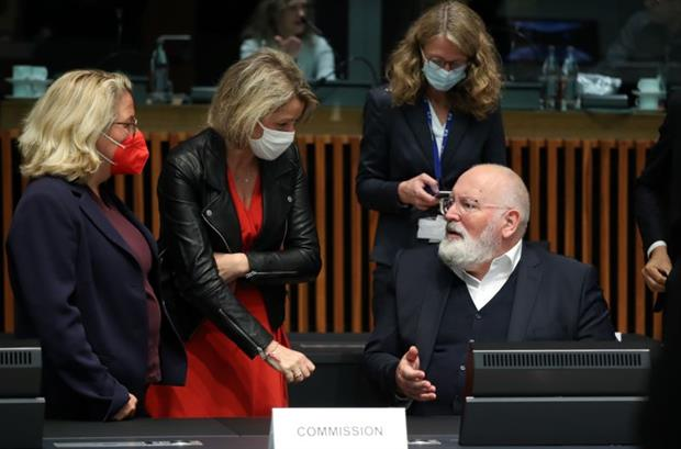 Environment ministers Svenja Schulze and Barbara Pompili speak to Commission vice-president Frans Timmermans during Wednesday's meeting. Photo: EU Council