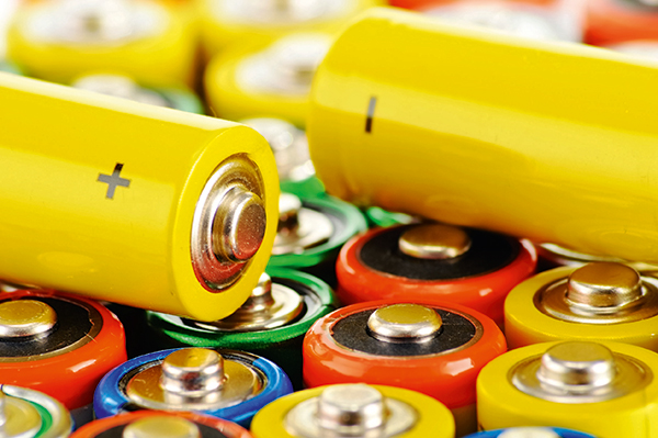 Waste, batteries (photograph: Monticello/123RF)