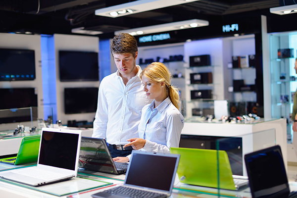 Energy using products, computer store (photograph: dotshock/123RF)