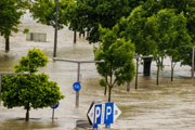 Climate change, flooding (credit: ginasanders/123RF)