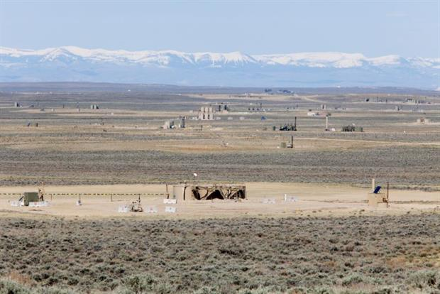 Gas wells spread out across the landscape at Jonah Energy field in Wyoming. US fracked gas is considerably more methane-intensive than gas from Europe. Image: Melanie Stetson Freeman via Getty Images
