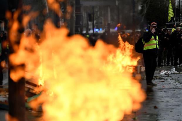 Gilets jaunes: protest movement began against a planned rise in the tax on diesel and petrol (Photo by Julien Mattia/Anadolu Agency via Getty Images)