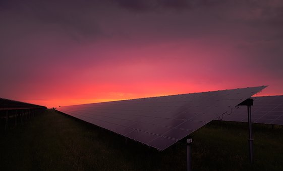 Energy - solar panel sunrise (photo: Pixabay)