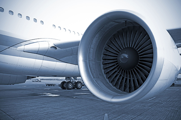 Transport, jet engine (photograph: Federico Rostagno/123RF)