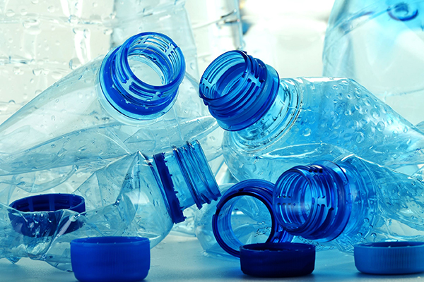 Products, used plastic bottles (photograph: Monticello/123RF)