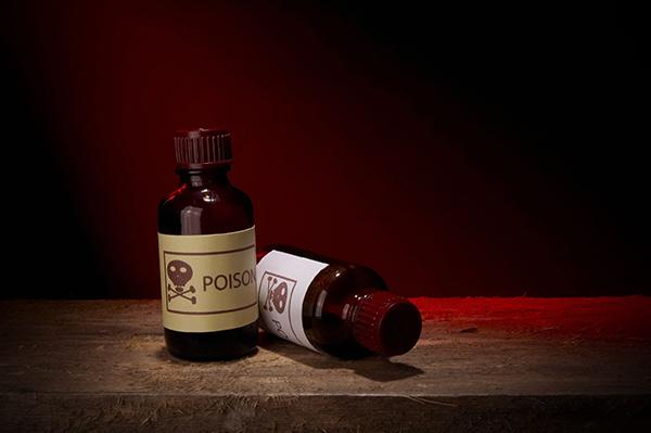 Chemicals, toxic substances (photograph: Andrei Kuzmik/123RF)