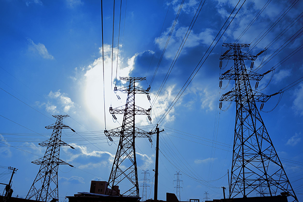 Energy, powerlines (photograph: Alandy/123RF)
