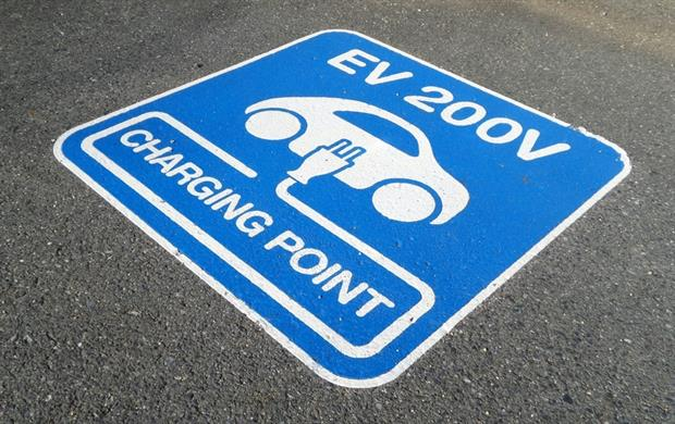 Transport - Lane marking for EV charging (Pixabay)