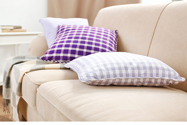 Products, sofa (photograph: Belchonock/123RF)