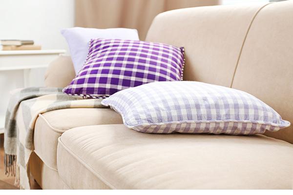 Products, sofa (photograph: Belchonock/123RF)
