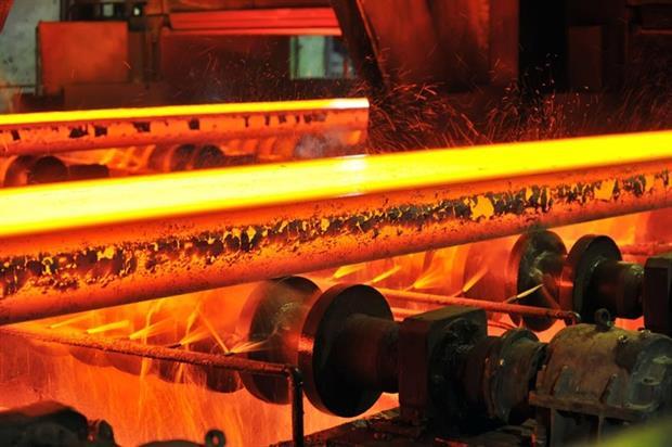 Steel production (photograph: Laurentiu-Iordache/123RF)